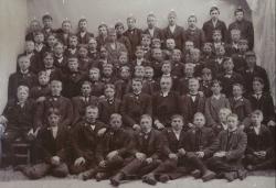 1913 Konfirmander pojkar