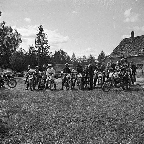 Motorcross i Älvsbyn 1950 talet. Foto: Ove Berggren,Älvsbyn Skannat från Negativ