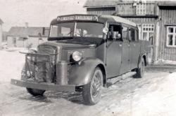 Övra Byn 1940-tal Volvo kombiners 14 pass och flak BD415