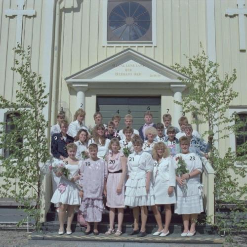 1989 Klass 9 E examen i Älvsby kyrka