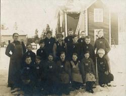Skolkort fran Vistträsk omkring 1920. Hjälp oss med namn!