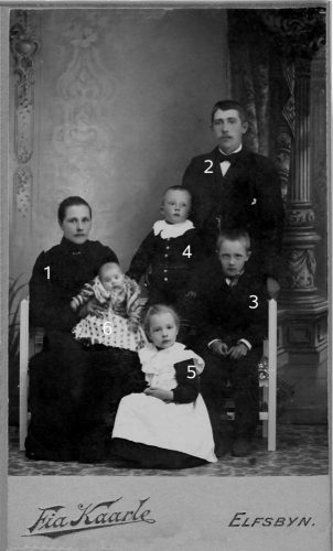 Familjen Oskar och Hilda Bergdahl.