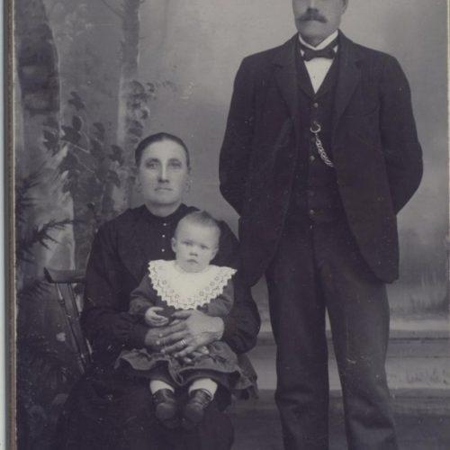 Johan, Amalia och Lilly Nordström