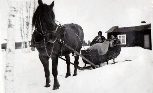 Oskar o Ingeborg Öberg Husavan
