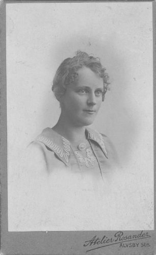 Är detta Frida Amanda* Westerlund född 19020223 Älvsbyn?