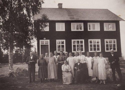 D. U. F. utanför Granträsk skola 1923