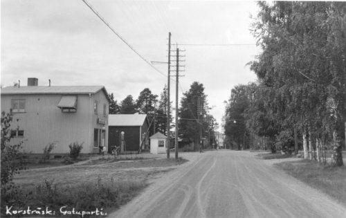 Gatuparti i Korsträsk på 1950 talet.