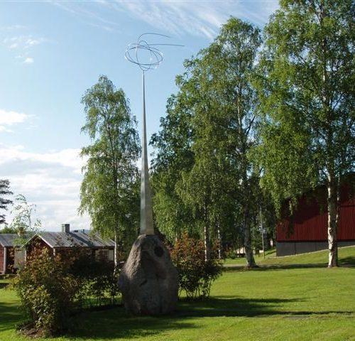 Knut Lundmarkminnesmärke på Kyrkmalmen Älvsbyn