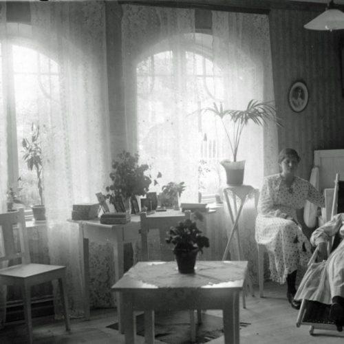 Anna och Älfva Eriksson, Kyrkostigen 8