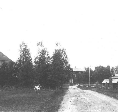 Gammelvägen med Munksundsgården