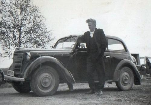 Sven-Olof med sin Opel-39