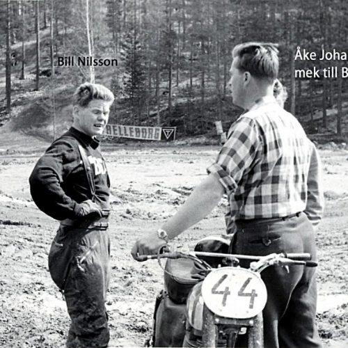 Bill Nilsson, man i rutig skjorta mek åt Bill. Åke Johansson