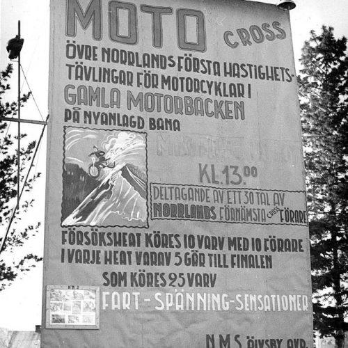 Motocross skylt