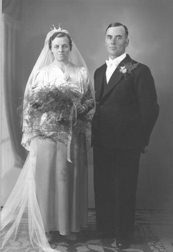 Brudparet Johan Albert Berggren o Elin Amanda Björkman
