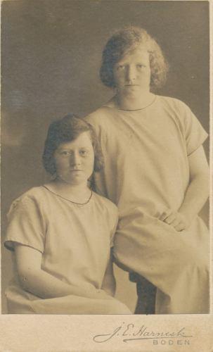 Systrarna Ida och Greta Norén