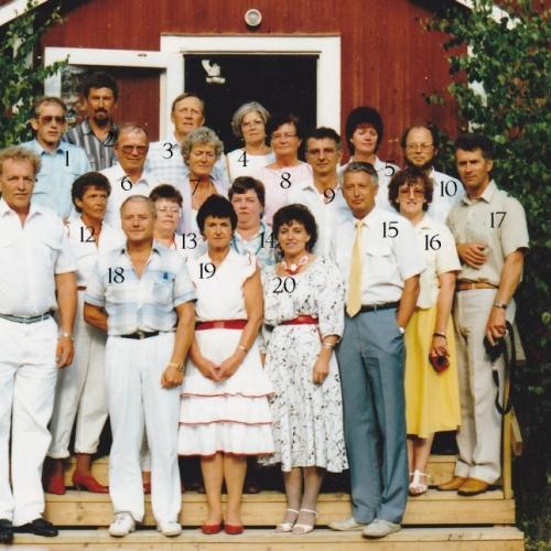1988-07-02 återträff i Lillkorsträsk gamla skola för avgångsklass 1953
