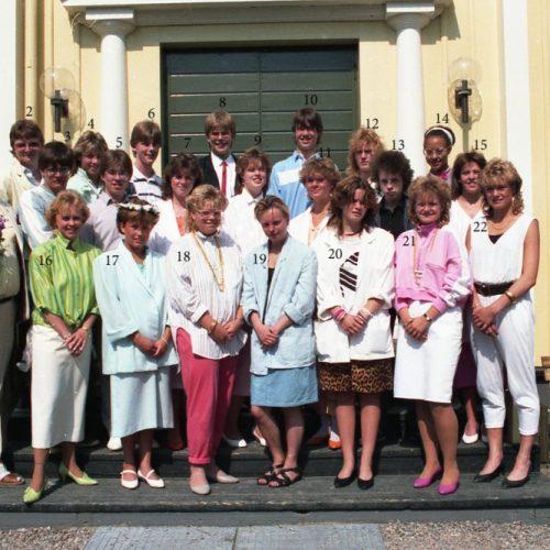 1986 9 E examen i Älvsby kyrka 1986-06-06