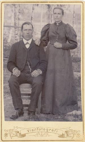 Övre Tväråsel Petter August Engström och Sofia Granström