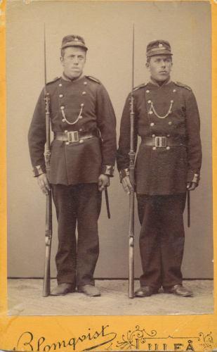 Övre Tväråsel Karl Eriksson till höger.