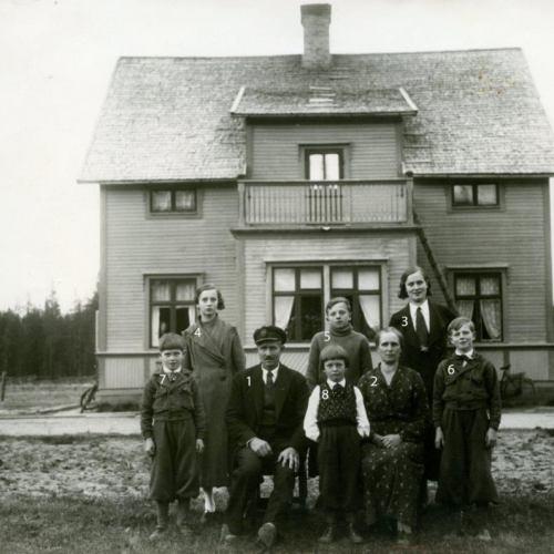 Abel Engström med familj 1930-talet.