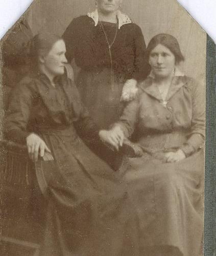 Beda Lindström, Anna Bergman samt Edith Johansson