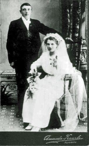 Brudparet-Gustaf-Adil-Johansson-o-Agnes-Margareta-Eriksson