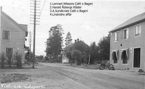 Gatuparti i Vistträsk början av 40-talet