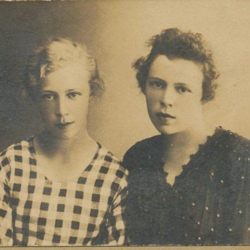 Systrarna Svea och Viktoria Södersten